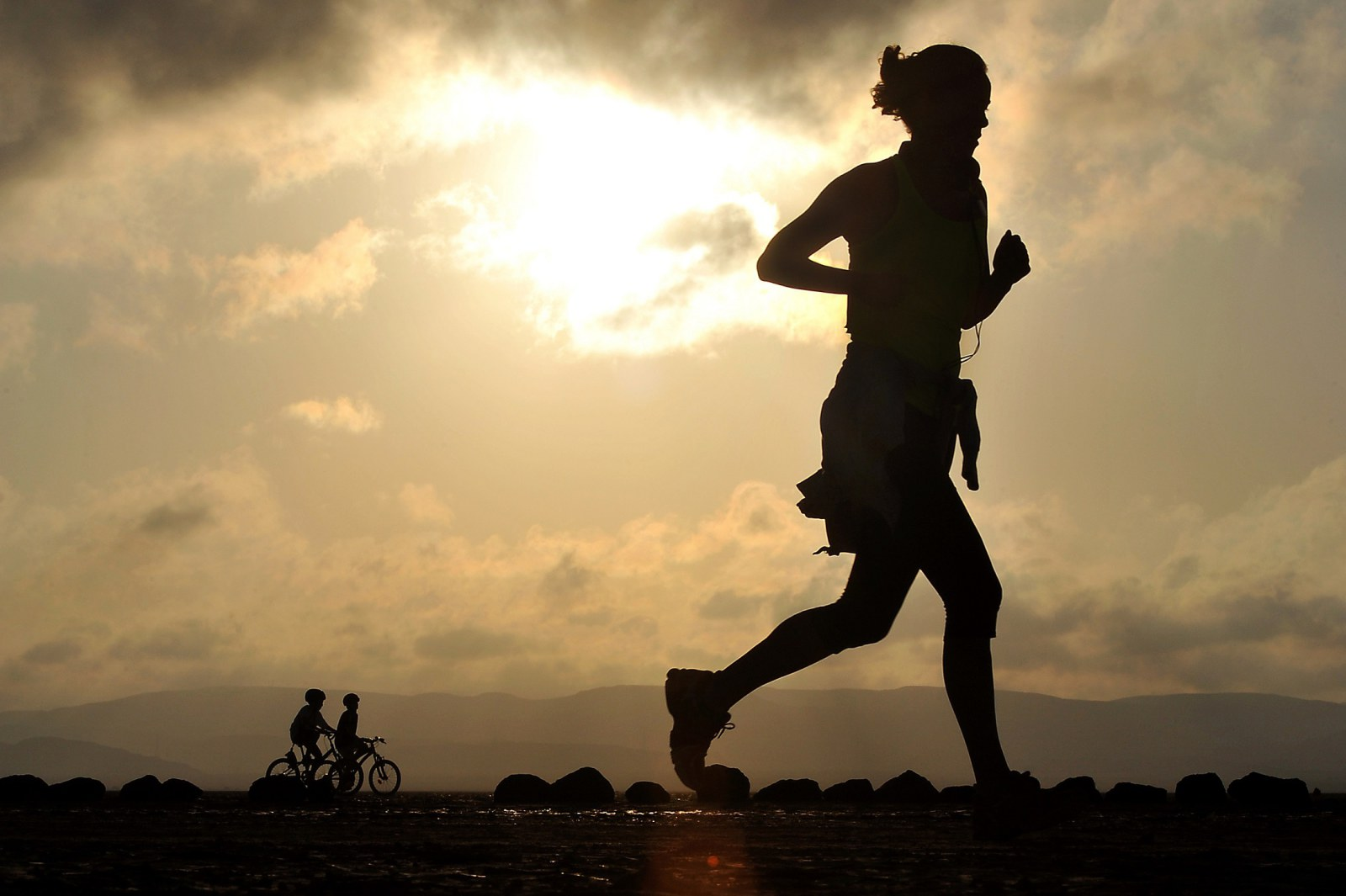 Walking vs Running: How to Burn More Calories