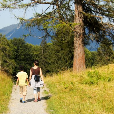 5 Reasons to Go on a Family Walk